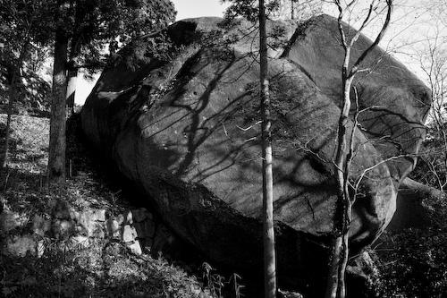 岩.jpg